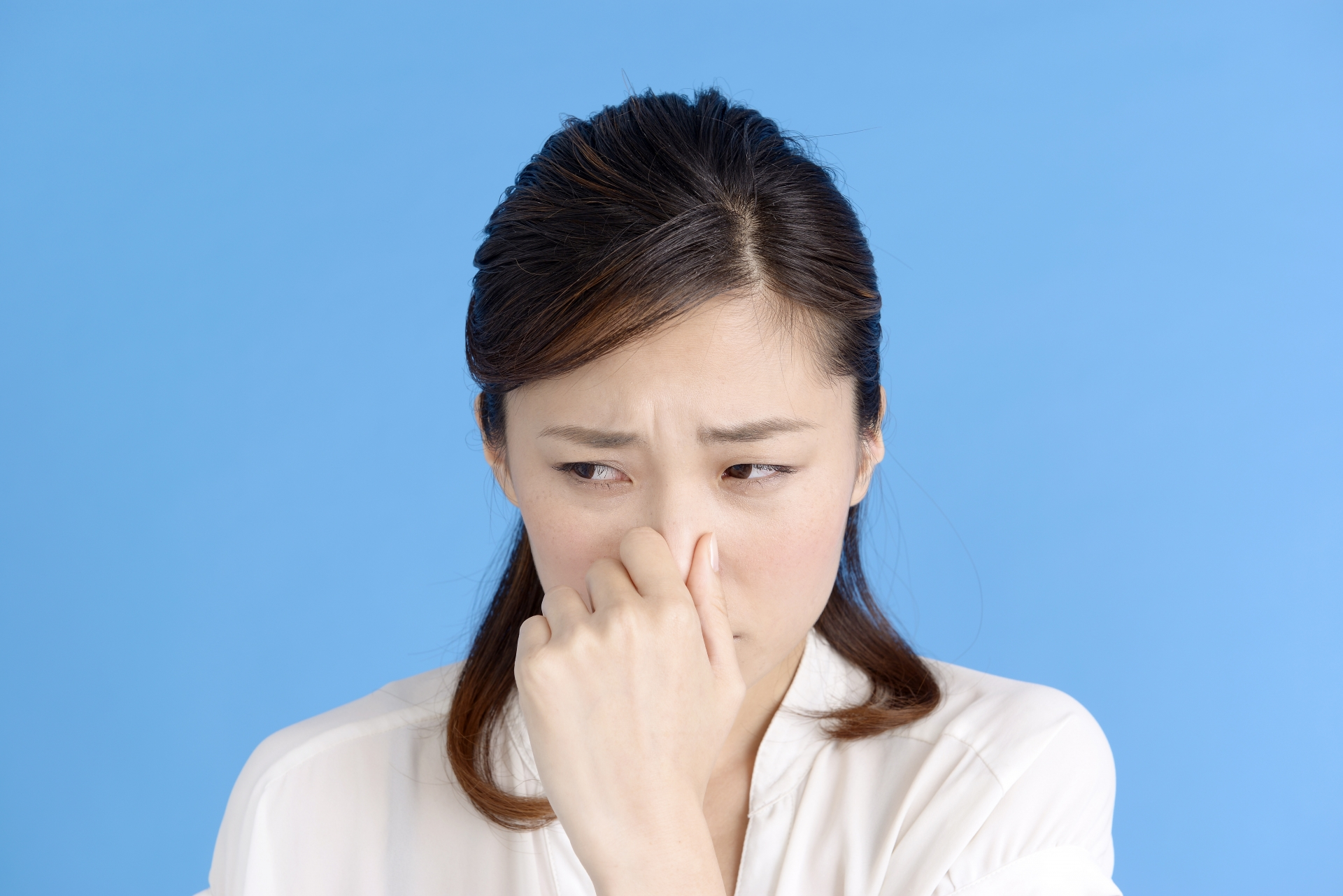 プロパンガスの臭いがしたら?原因と対処方法