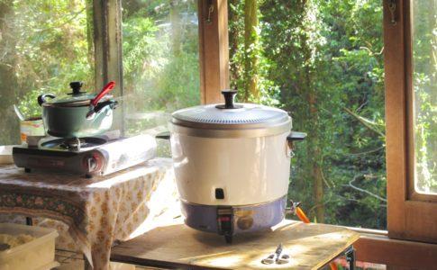 ガス炊飯器と電気炊飯器の違いとメリット・デメリットについて