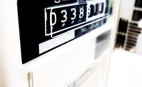電力メーターとスマートメーターの仕組みや違いについて