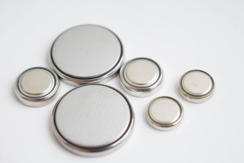 ボタン型とコイン型電池